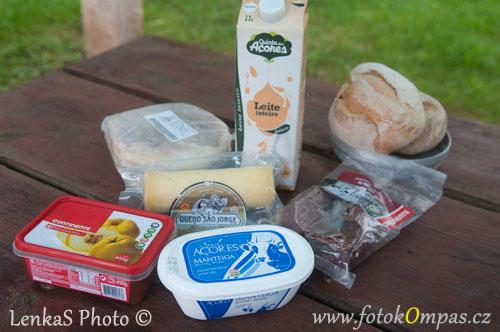 Cestopis z Azor místní potraviny
