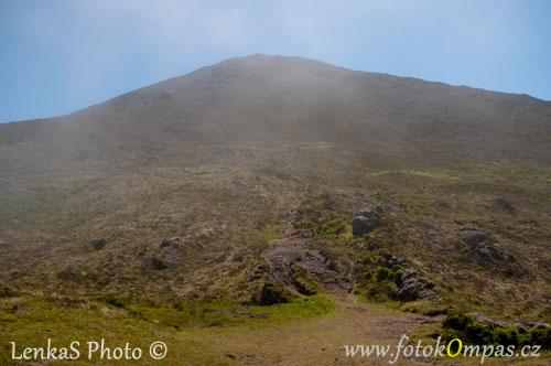 Sopka Pico mraky ustupují